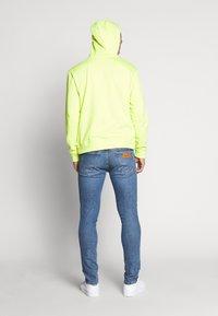 Wrangler - BRYSON - Jeans Skinny Fit - flint stone - 2