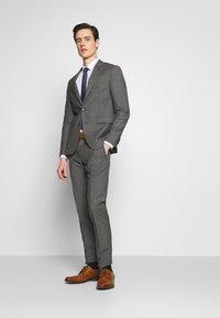 Tommy Hilfiger Tailored - SUIT SLIM FIT - Suit - grey - 1