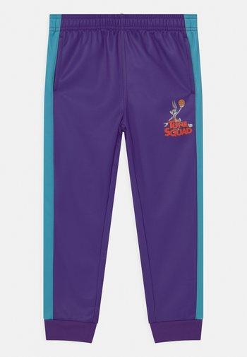 SPACE JAM DEFENDER PANT UNISEX - Pantalones deportivos - blau