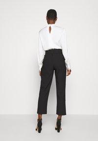 Trendyol - Spodnie materiałowe - black - 2