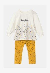 Name it - NBFNICOLA BABY SET - Leggings - Trousers - snow white/spicy mustard - 0