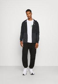 Nike Sportswear - HOODIE - Tröja med dragkedja - black - 1