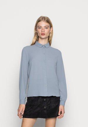 JDYBROOKE SHIRT - Button-down blouse - tradewinds