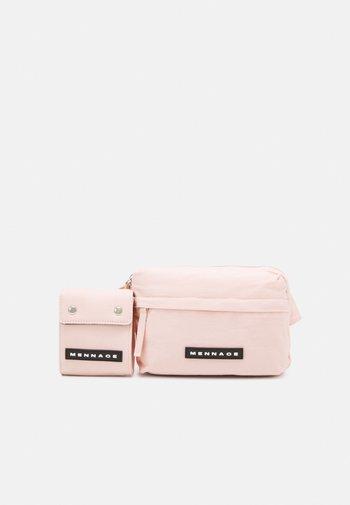 ROSEBOWL DOUBLE BELT BAG SET UNISEX - Bum bag - pink