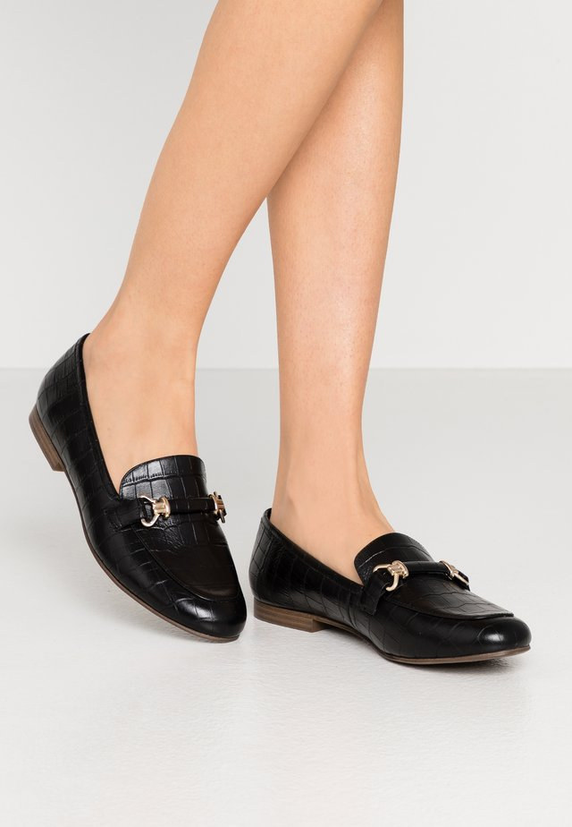 LEATHER FLAT SHOES - Slip-ons - black