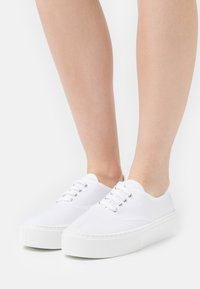 Kaltur - Trainers - white - 0