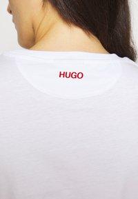 HUGO - THE SLIM TEE - Camiseta básica - white - 5