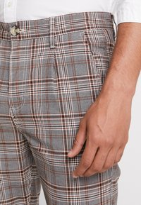 Cotton On - OXFORD - Pantalon classique - grey prince - 3