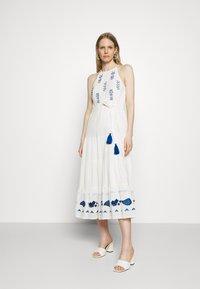 Desigual - Robe d'été - white - 0