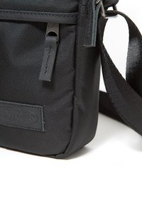 Eastpak - THE ONE/CONSTRUCTED - Across body bag - constructed black - 6