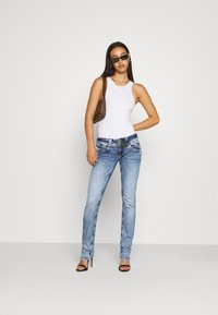 Pepe Jeans - VENUS - Jeans slim fit - denim - 1