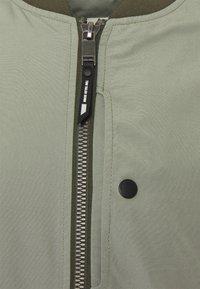 TOM TAILOR DENIM - CLEAN  - Bomber Jacket - greyish shadow olive - 2