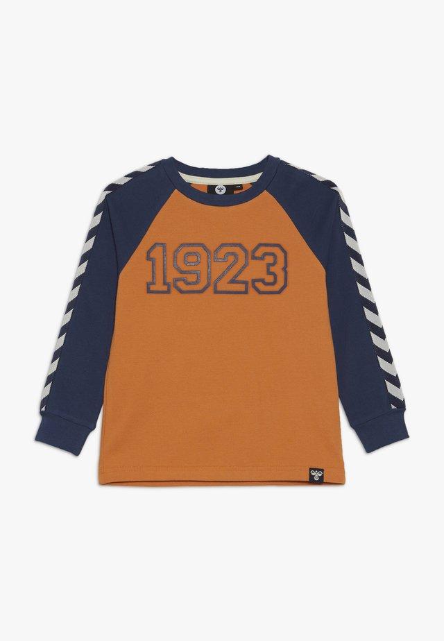 HMLLUCKY - T-shirt à manches longues - apricot buff