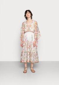 Derhy - SIENNE DRESS - Długa sukienka - off white - 1
