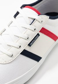 Jack & Jones - JFWLOGAN POP  - Sneakersy niskie - bright white - 5