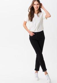 BRAX - STYLE SHAKIRA - Slim fit jeans - clean black - 1