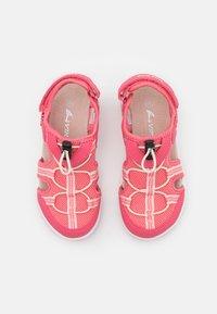 Viking - THRILL UNISEX - Sandalias de senderismo - fuchsia/dark pink - 3
