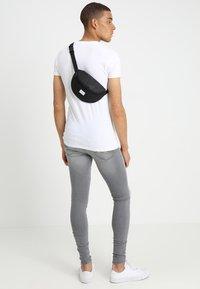 Spiral Bags - HARVARD BUMBAG - Bum bag - glitter black - 1