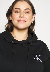 Calvin Klein Jeans Plus - EMBROIDERY HOODIE - Hoodie - black - 3