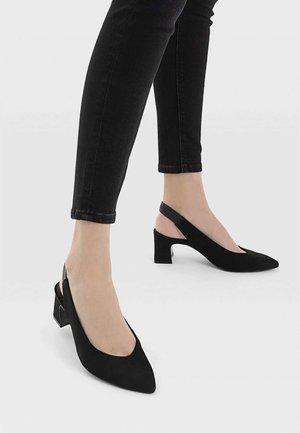 MIT OFFENER FERSE  - Classic heels - black