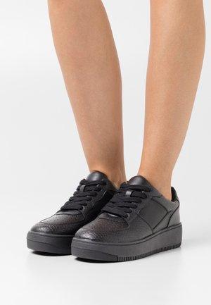 VEGAN FRESH - Sneakers - black