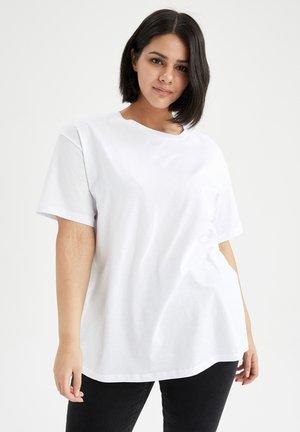 OVERSIZE FIT - Basic T-shirt - white