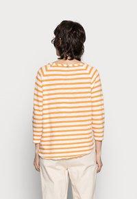 Rich & Royal - HEAVY JERSEY LONGSLEEVE - Long sleeved top - golden orange - 2