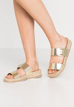 PSALMI - Pantofle - gold