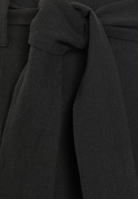Selected Femme - SLFMALVINA  - Shorts - black - 2