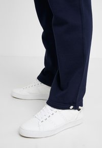 Polo Ralph Lauren - ATHLETIC  - Träningsbyxor - cruise navy - 5