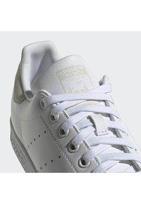 adidas Originals - STAN SMITH - Sneakers - white - 6