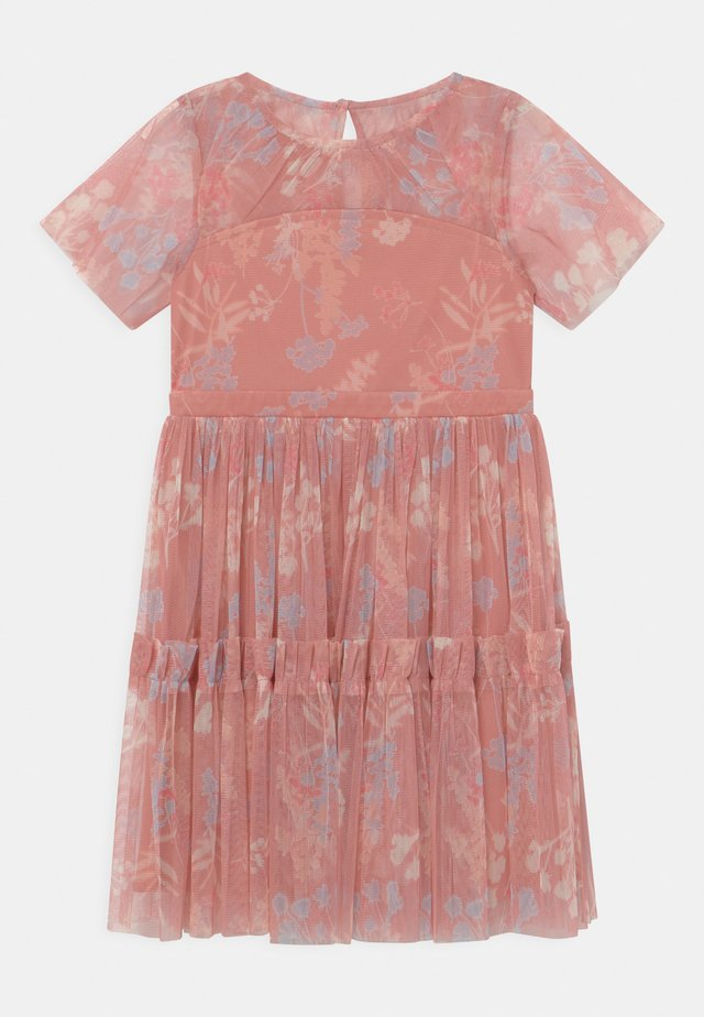 RUFFLE DRESS - Cocktailjurk - coral