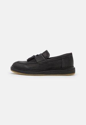 KIREN - Nazouvací boty - black