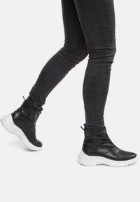 Keddo - Ankle boots - black/white - 0