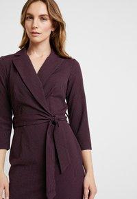 Closet - CLOSET 3/4 SLEEVE PENCIL DRESS - Robe d'été - maroon - 5