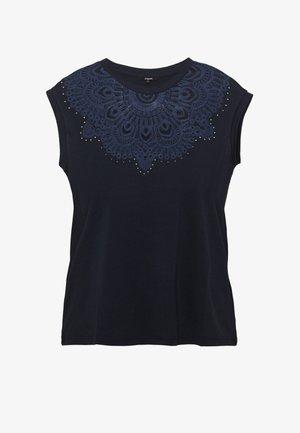 BUDAPEST - T-shirts med print - navy