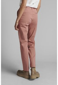 Nümph - NUCADDIE PANTS - Chinos - ash rose - 2