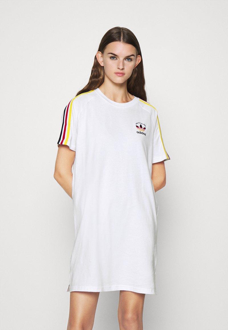 adidas Originals - STRIPES SPORTS INSPIRED REGULAR DRESS - Sukienka z dżerseju - white/multicolor