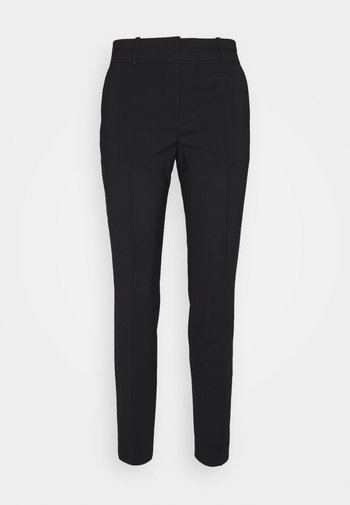 THE SKINNY TROUSERS