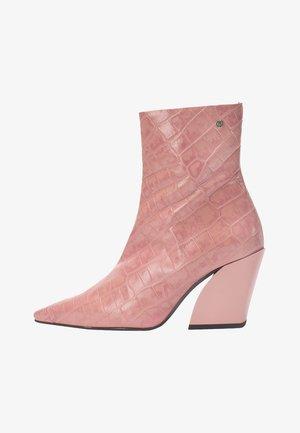 Korte laarzen - old pink