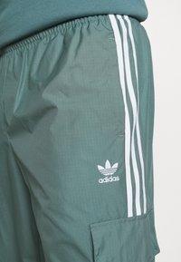 adidas Originals - UNISEX - Verryttelyhousut - hazy emerald - 3