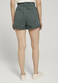 TOM TAILOR DENIM - CONSTRUCTED PAPERBAG - Denim shorts - dusty pine green - 2