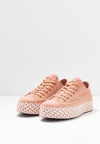 Converse - CHUCK TAYLOR ALL STAR - Baskets basses - rose gold/white/madder pink - 4