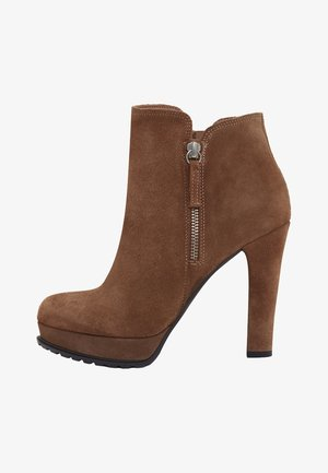 ZOE - High heeled ankle boots - light brown