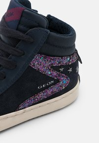 Geox - KALISPERA GIRL - Sneakersy wysokie - navy/prune - 5