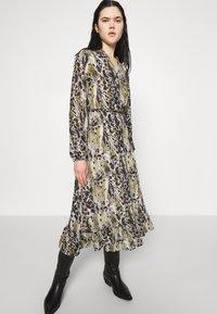 Vila - VIJEMO MIDI DRESS - Day dress - birch/kallia - 4