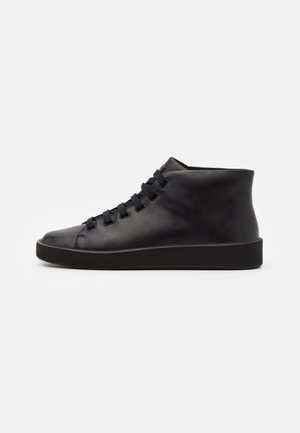 COURB - Baskets montantes - black
