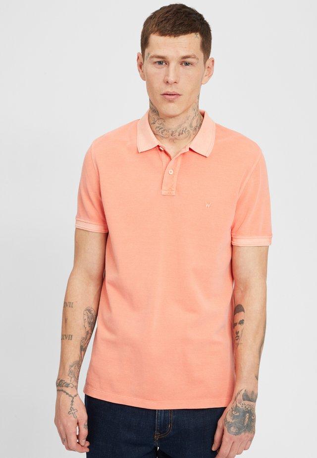 OVERDYE  - Poloshirt - melon orange
