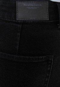 Bershka - Jeans Short / cowboy shorts - black - 5