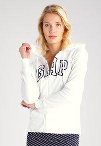 GAP - veste en sweat zippée - white - 0